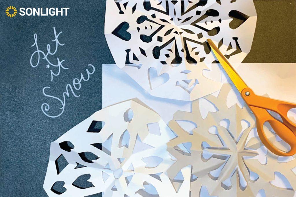 Let it snow! – Paper snowflake instructions